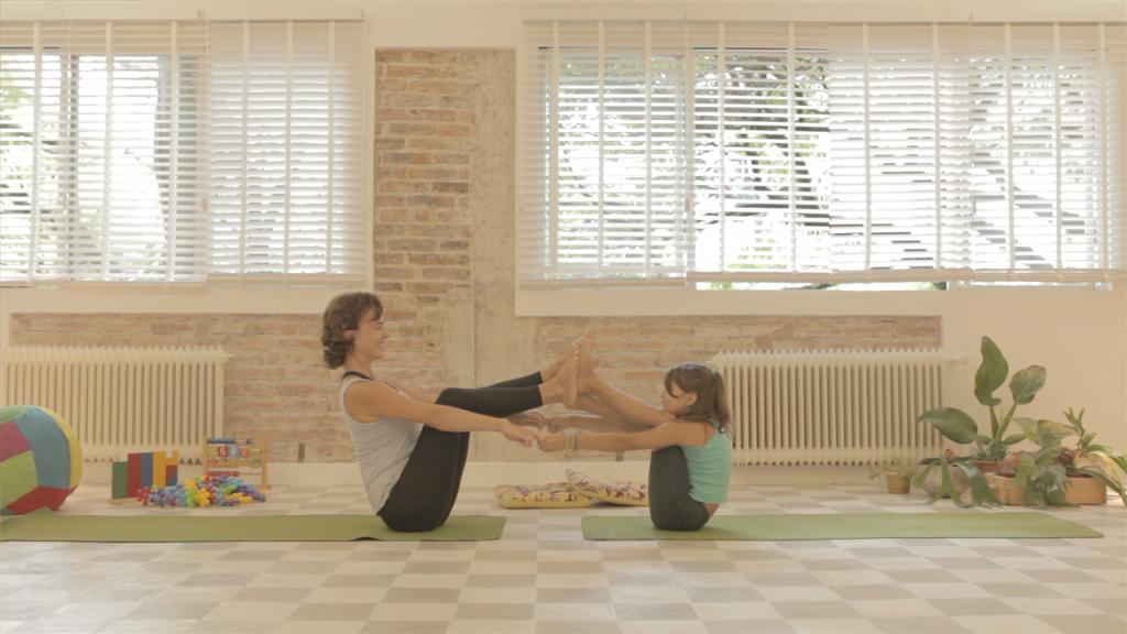 Juliana Eichenberg Yoga 01.45 PM