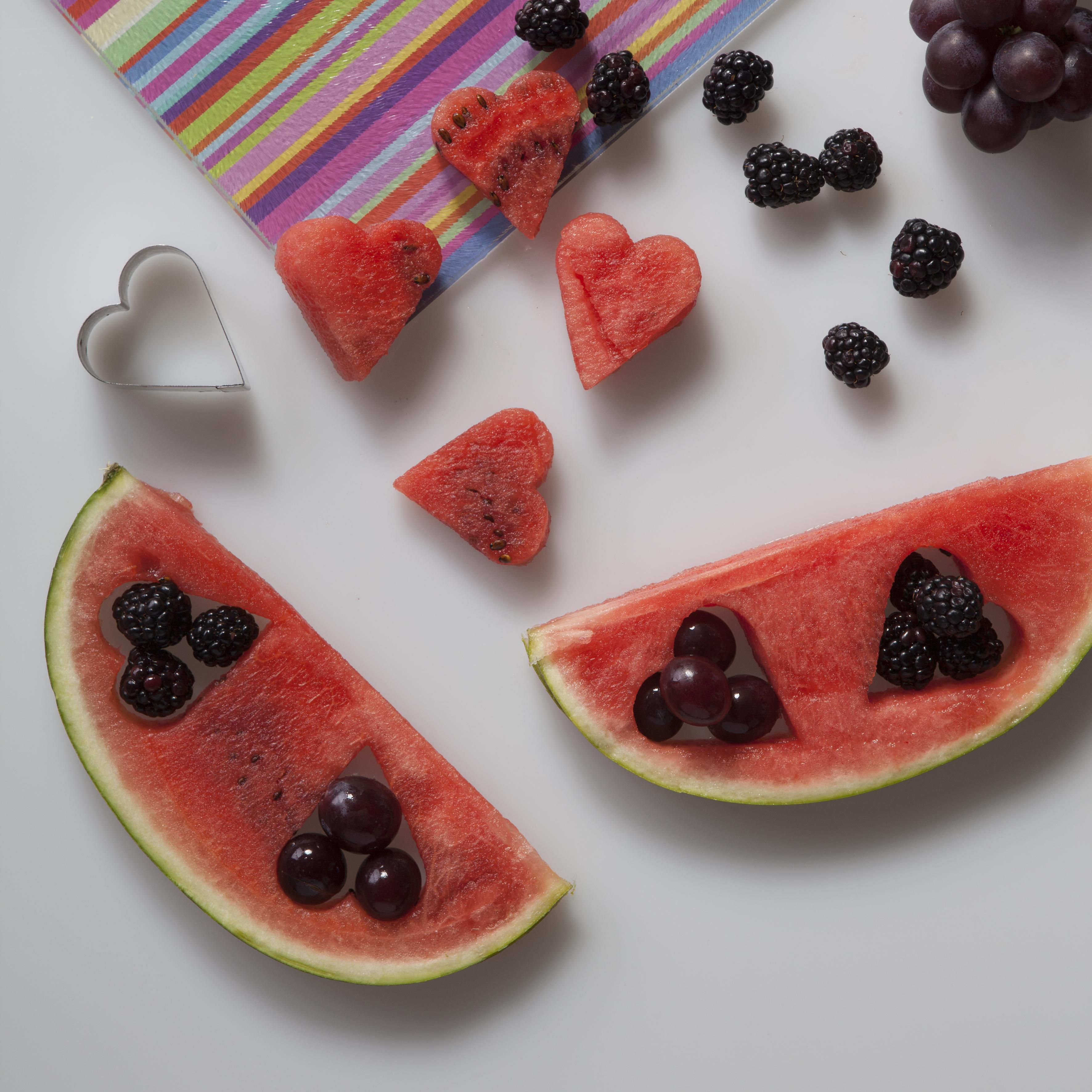 Dentro de corações de fruta